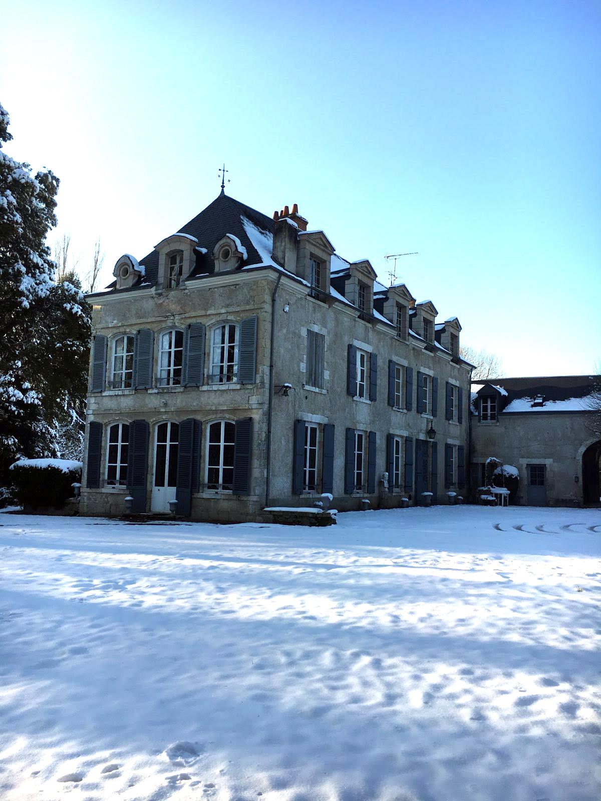 La Grand'Maison parée de son manteau d'hiver